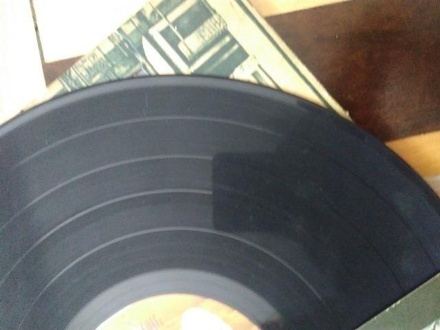 Vendo LP duplo (dois vinis) Led Zeppelin Physical Graffiti