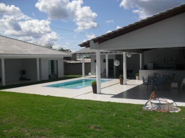 Samuel Pereira oferece: Magnífica casa térrea no Condomínio Mansões Entre Lagos com lazer