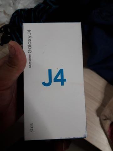 J4 novo. 15 dia de uso garantia de um ano