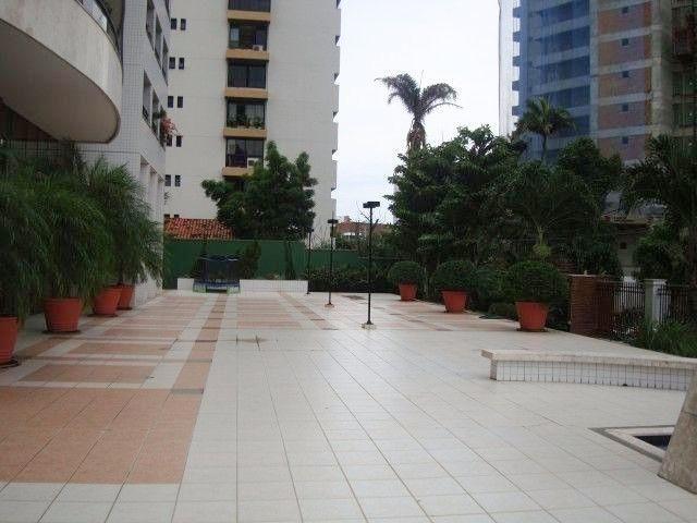 Ed Lucca apartamento amplo e ventilado com localização privilegiada - Foto 7