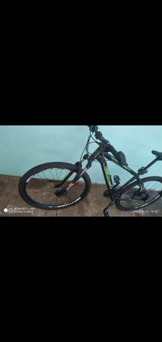 Vendo bike aro 29 freios hidraulicos - Foto 2