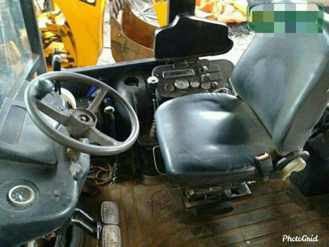 Retroescavadeira Trator 3cx - Foto 3