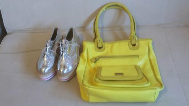 Vendo sapatenis e bolsa de couro ! Nunca usados os dois novos