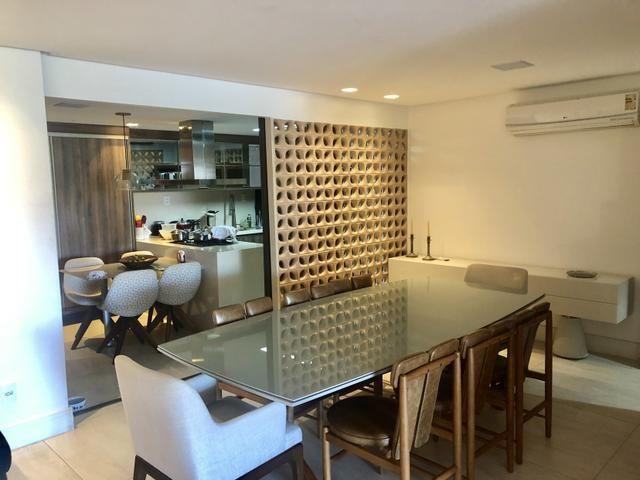Apartamento com 180 metros, 3 suítes, mobiliado e decorado com vista para o mar - Foto 5