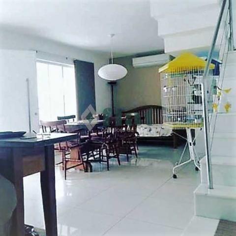 Casa de condomínio à venda com 4 dormitórios cod:FLCN40057