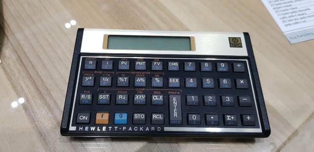 Calculadora científica semi-nova