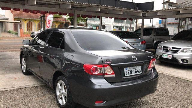 Toyota Corolla GLi 2013 - automático - Foto 4