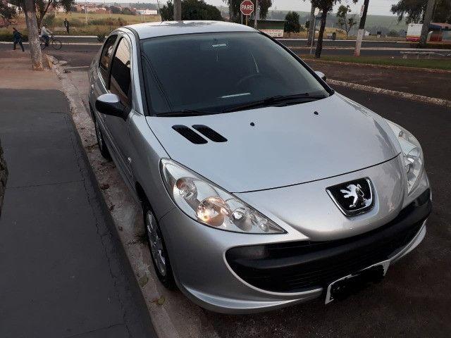 Vendo Peugeot 207 XR 1.4 Sedã Passion 2011 Flex - Foto 7