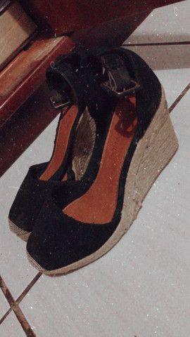 Roupas e calçados Seminovos - Foto 4