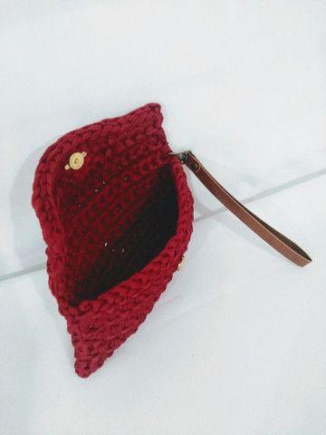 Bolsa carteira clutch em fio de malha alça de couro - Foto 5