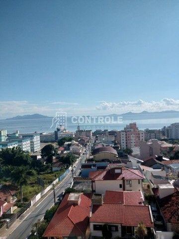 (Ri)Ótimo apartamento vista mar, 101m2 com 3 dormitórios sendo 1 suíte em Barreiros - Foto 4