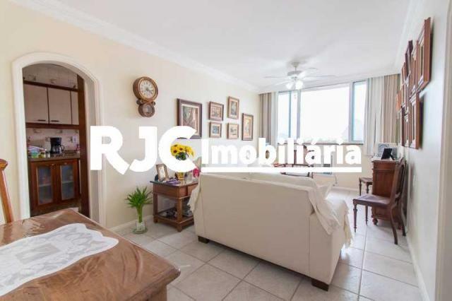Apartamento à venda com 3 dormitórios em Laranjeiras, Rio de janeiro cod:MBAP33323 - Foto 2