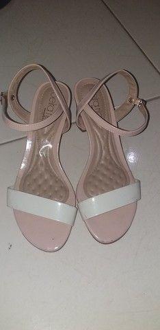 Sandalinha de saltinho