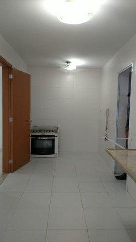 Aluga-se apartamento com 3 suítes, varanda com ótima vista para Baía do Guajará - Foto 8