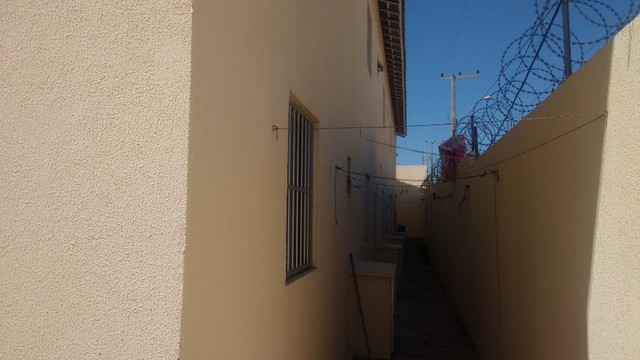Kitinet um Quarto, Nascente, em Condomínio, com Vaga e ônibus na porta. Um mês de Caução. - Foto 10