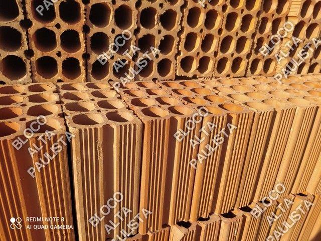 Bloco de 8 Furos 9x19x19 APENAS CARGA FECHADA - Foto 2
