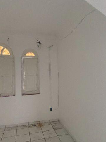 Alugo casa casarão serve p comercio ou moradia - Foto 12