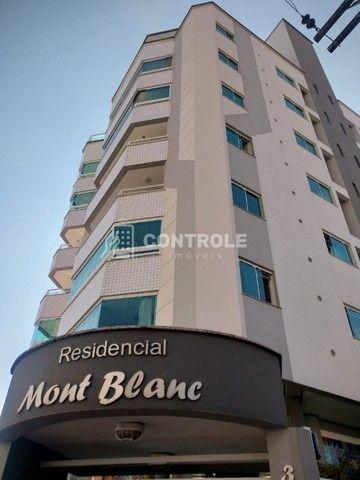 (Ri)Ótimo apartamento vista mar, 101m2 com 3 dormitórios sendo 1 suíte em Barreiros