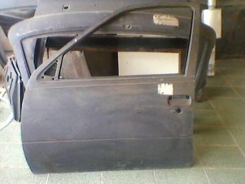 Porta p/ Kadett Ipanema dianteira LD (original e usada)