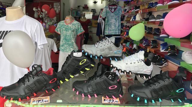 e97d120c5 Tênis OAKLEY oferta - Roupas e calçados - Cj Hab J M Filho