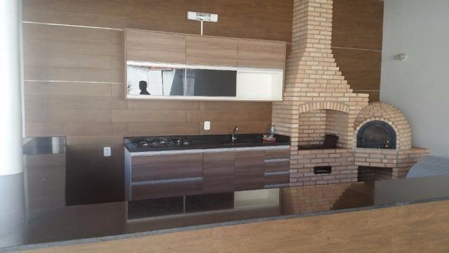 Samuel Pereira oferece: Magnífica casa térrea no Condomínio Mansões Entre Lagos com lazer - Foto 18