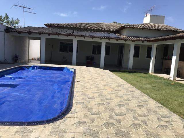 Linda casa de 3 qts, suíte em Condomínio Fechado de Sobradinho