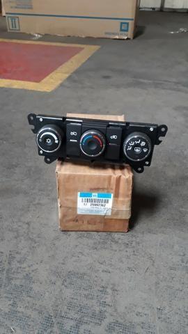 25992362 Controle do Ar condicionado e aquecedor Captiva - Foto 2