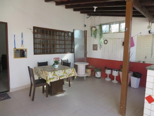 Vendo casa 3 quartos, uma suíte com churrasqueira. Estudo troca apartamento 3 quartos - Foto 8