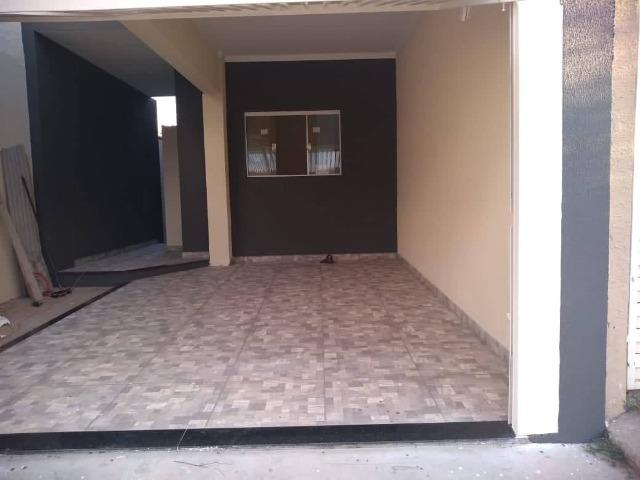 Casa Nova de meio lote Minha Casa Minha Vida (Todas as portas e janelas de blindes) - Foto 2