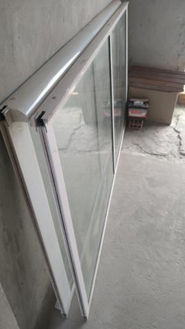 Evendo uma porta de vidro duas folhas completa valor 1.500 aceita cartão - Foto 3