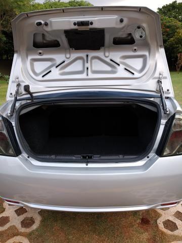 Ford fiesta sedan - Foto 4