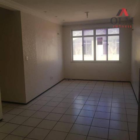 Apartamento com 2 dormitórios à venda, 57 m² por R$ 144.000 - Messejana - Fortaleza/CE