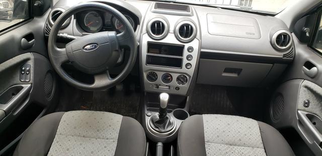Fiesta hatch 2014 1.0 completo bom pra uber - Foto 5
