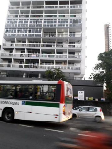 Apartamento 3qts(suite), alto, Edf Juliane(p/trás Big Bompreço) em Boa Viagem 500mil - Foto 2