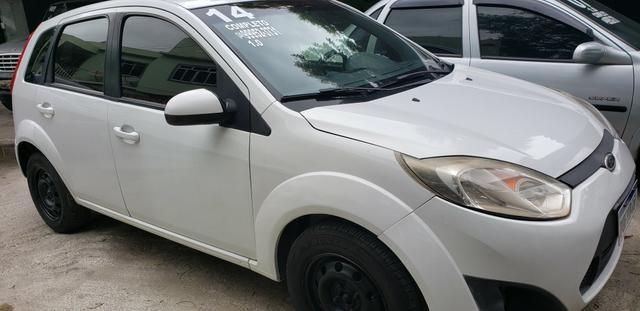 Fiesta hatch 2014 1.0 completo bom pra uber