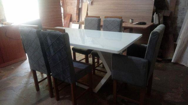 Mesa laqueada madeira