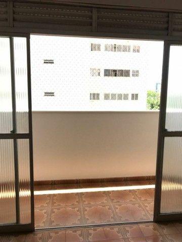 Varanda sala 2 quartos 2 banhs garagem - Foto 2