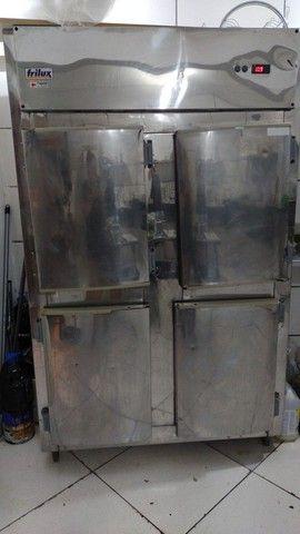 Refrigerador industrial 4 portas Frilux