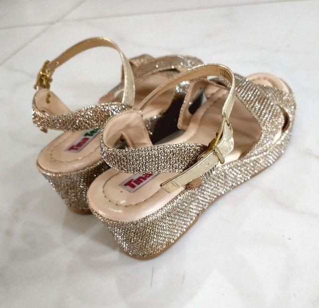 Sandália dourada brilho, infantil feminina POUCO USADA - Foto 3