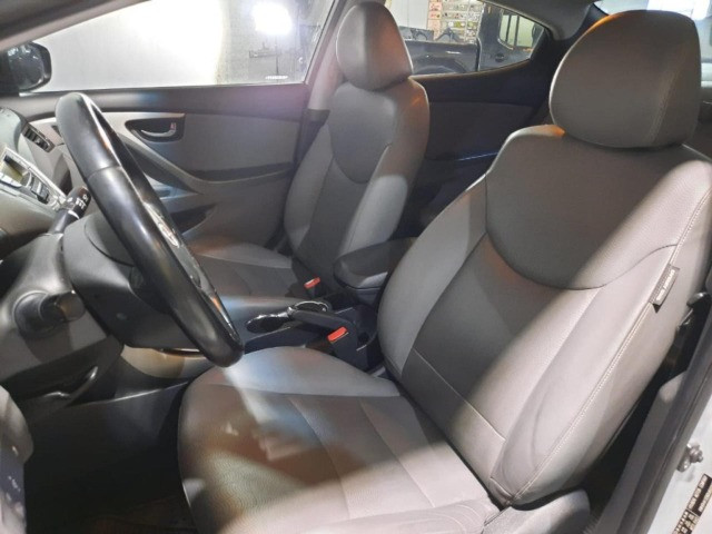 Hyundai Elantra GLS 2.0 - 2013 - Automático - R$46.854 - Foto 11