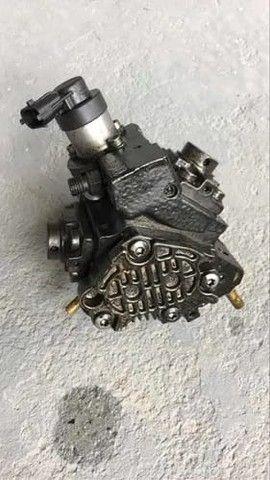 Bomba de alta pressão Renault Master 2.3 16v - Foto 2