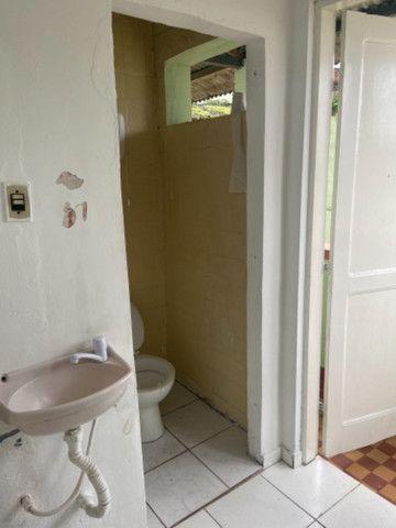 Alugo casa casarão serve p comercio ou moradia - Foto 13