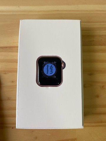 Smart watch na caixa rosé - Foto 5