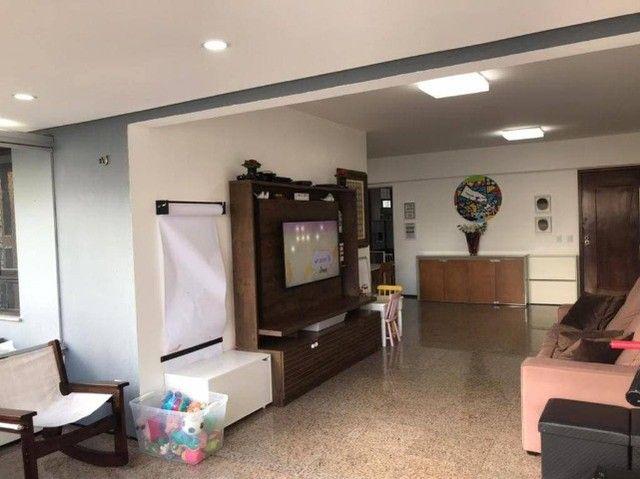 AB303 - Apartamento com 04 quartos/ varanda cortina de vidro/ DCE + Lavabo
