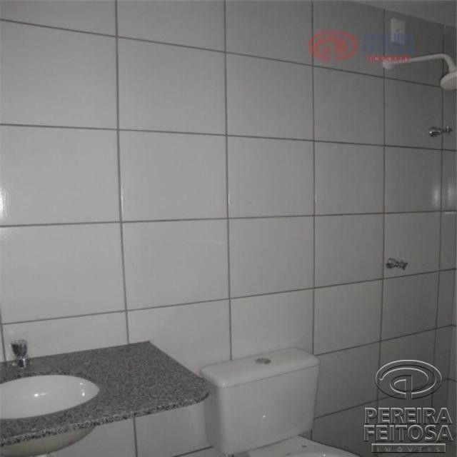 Apartamento com 2 dormitórios para alugar por R$ 950,00 - Cohama - São Luís/MA - Foto 11