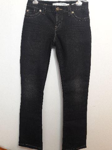 Calça jeans marca famosa
