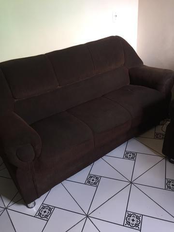 Vende sofá três e dois lugares motivo da venda mudança