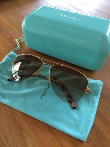 Óculos de sol feminino Tiffany modelo aviador semi-novo ... 13e145d8f4