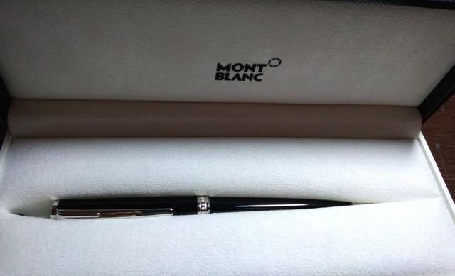 e3e281234a4 Caneta Esferográfica Mont Blanc (nova) - Outros itens para comércio ...