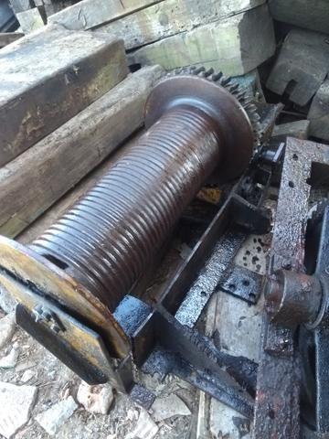 Guincho e.rodas de ferro